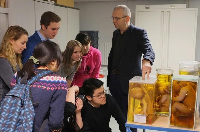 Onderwijs aan de collectie 'De Snoo' Januari 2013. (foto: prof dr Anton Grootegoed, EUR)